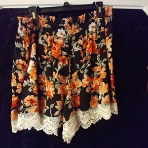 Cute as ever floral short